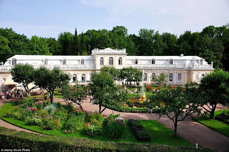 Vườn Peterhof, Nga 2