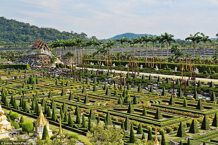 Vườn thực vật nhiệt đới Nong Nooch, Thái Lan