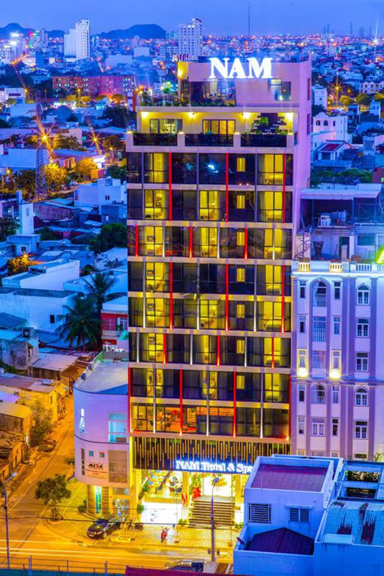 Khách sạn 4 sao Nam hotel & Spa