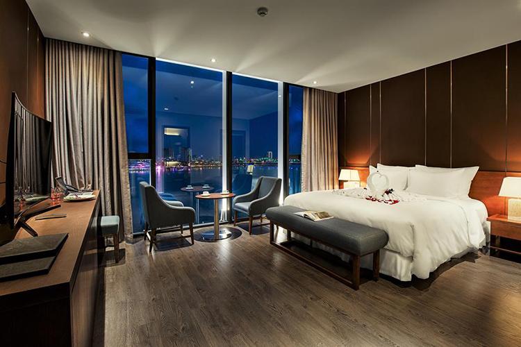 Khách sạn 3 sa0  Avora Hotel tại 171 Bạch Đằng, Hải Châu, Đà Nẵng