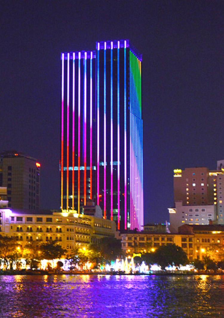 khách sạn 6 sao The Reverie Saigon