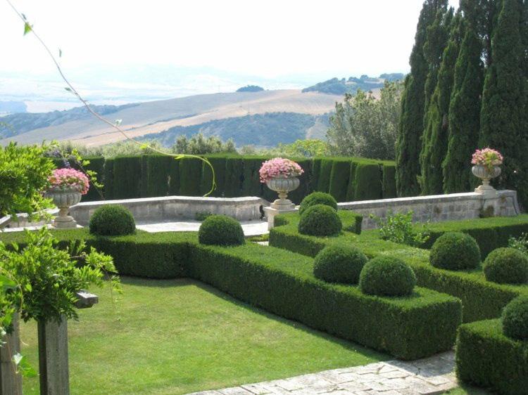 sân vườn biệt thự Pháp
