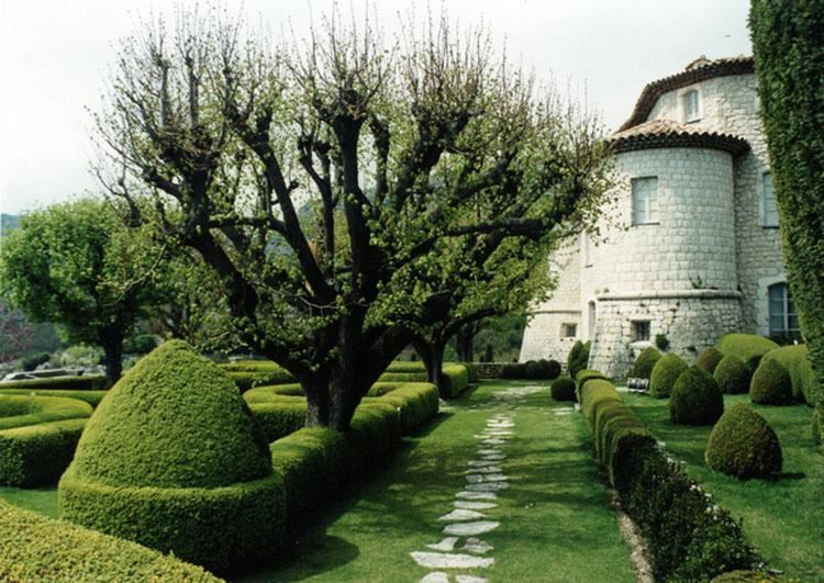 diện tích sân vườn Pháp