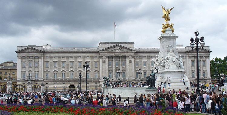 Cung điện Buckingham, Anh
