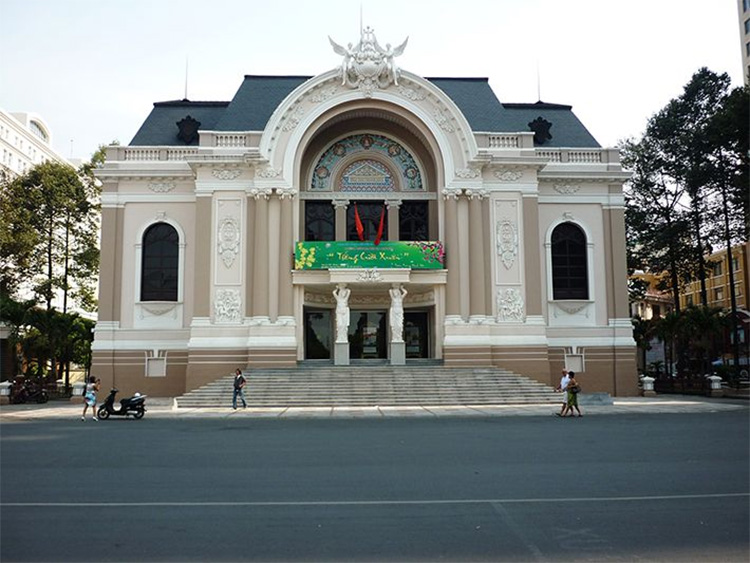 Nhà hát lớn thành phố Hồ Chí Minh