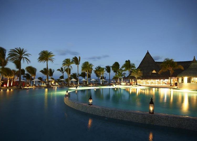 Thiết kế Resort với hồ bơi và không gian ngoài trời tuyệt đẹp - View 3
