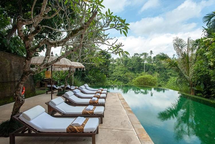 top-7-hotel-sang-trong-nhat-indonesia-Komaneka-at-Tanggayuda-2