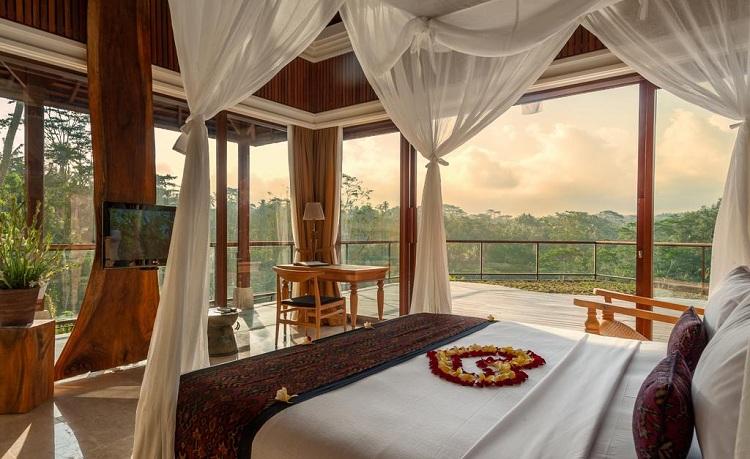 top-7-hotel-sang-trong-nhat-indonesia-Komaneka-at-Tanggayuda-3