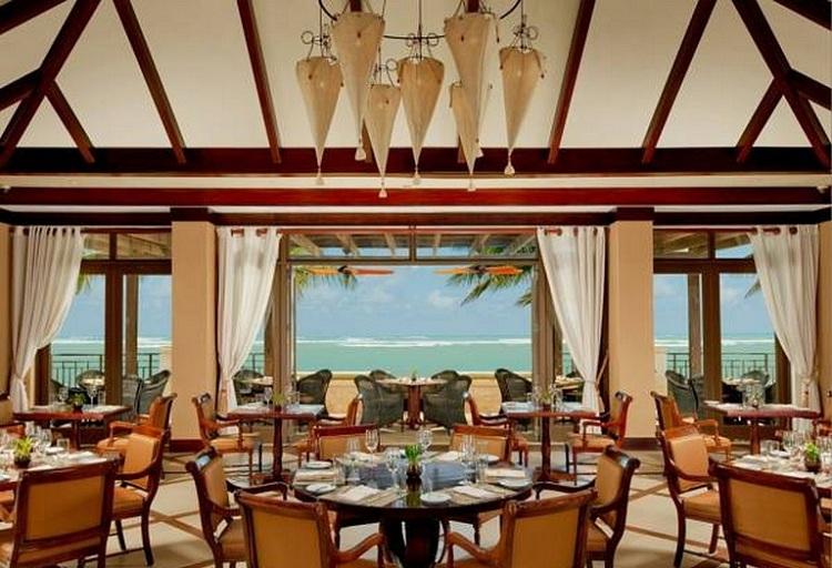 Nhà hàng có góc view biển tuyệt đẹp