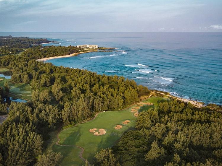 Resort nghỉ dưỡng có sân golf sát biển đẹp khó tin - View 3
